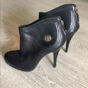 Gucci Diana ankle booties
